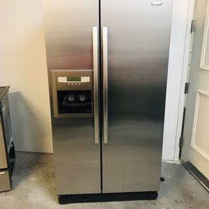 Whirlpool Stainless Steel Refrigerator - 25.3 cu ft for Sale in Miramar, FL