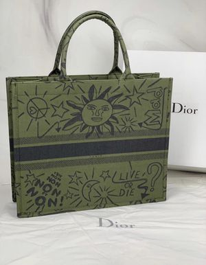 Dior satch bag for Sale in Deer Park, TX