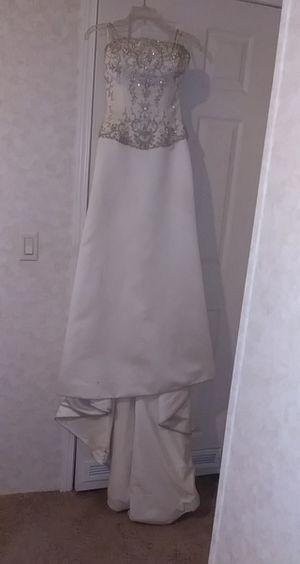 Wedding dress for Sale in Parsons, KS