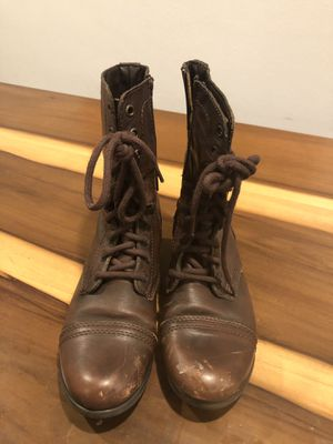 Steve Madden brown leather boots size 8 for Sale in Fullerton, CA