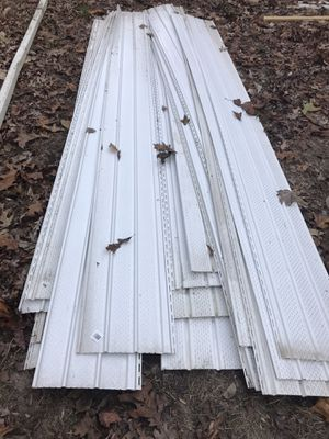 27 vented vinyl eaves for Sale in Greensboro, MD
