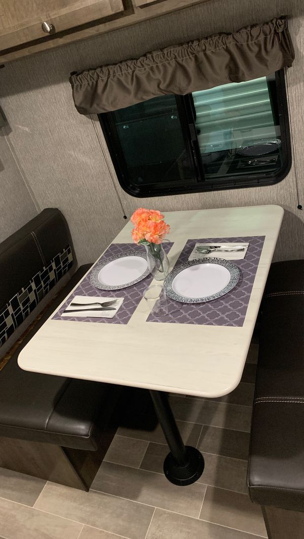 2020 Coleman Lantern 17FQ (bunk house travel trailer)