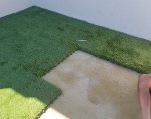 Artificial turf tiles with drainge for pets with zeofill sand deorderizer for Sale in Miami, FL