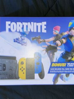 Nintendo Switch Fortnite Wildcat Console Bundle - Yellow/Blue (no code) for Sale in Los Angeles,  CA