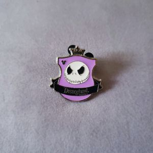 """Disney Marked Trading Pin """"Nightmare before Christmas"""" for Sale in Winter Springs, FL"""