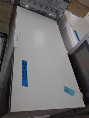 Frigidaire 15.6 cu ft Chest Freezer for Sale in Fort Lauderdale, FL