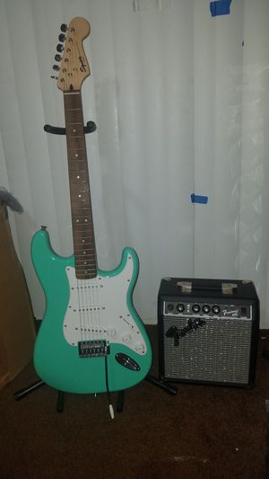 Squier Special Edition Bullet Stratocaster Electric for Sale in HILLTOP MALL, CA