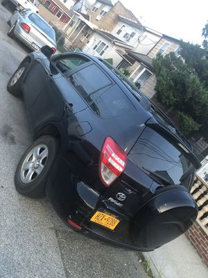 RAV4 Toyota in excellent condition for Sale in Queens, NY