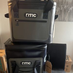 New Rtic Backpack Cooler & 30 QT Soft Pack $180 for Sale in Houston, TX