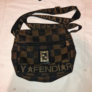 Fendi side bag for Sale in Diamond Bar, CA