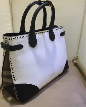 Memorial Day Sale! Brand New Burberry Calfskin Leather Tote for Sale in Queens, NY