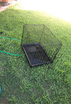 Small dog kennel for Sale in Parlier, CA