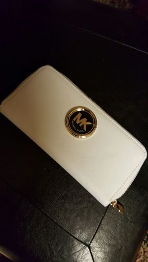 Michael Kors wallet for Sale in Severn, MD