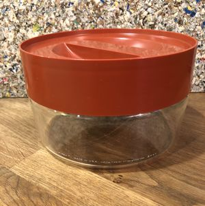 70s vintage Pyrex Store and See glass container with rust colored plastic screw on lid 1qt for Sale in Phoenix, AZ