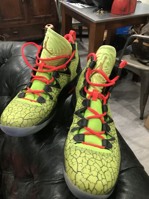 Jordan basketball shoes size 11 for Sale in Los Angeles, CA