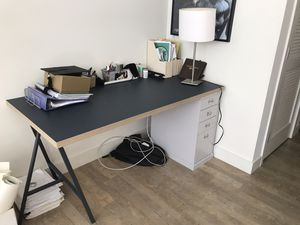 Desk -elegant and easy to moved for Sale in San Diego, CA