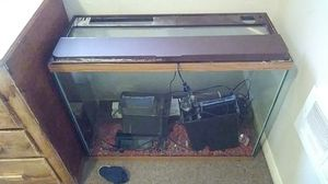 30 gal fish tank has everything ready to go for Sale in Aberdeen, WA