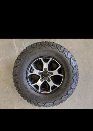 5 x 2019 Jeep Wrangler Rubicon OEM Wheels & BFG KO2 Tires for Sale in Anaheim, CA