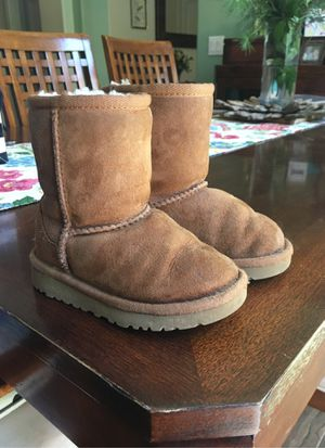 Toddler Kids Ugg Boots Size 7 for Sale in Castaic, CA