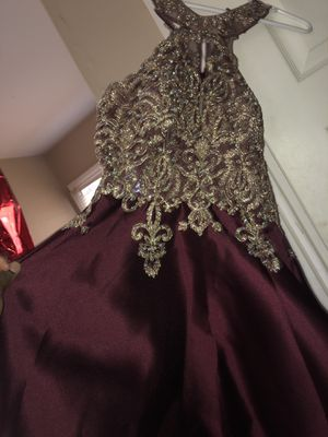 Burgundy and Gold Homecoming Dress Size 4 for Sale in Swedesboro, NJ