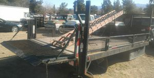 2015 Flatbed with Liftgate for Sale in Palmdale, CA