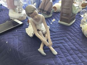 Original Nao Lladro Resting Ballerina figurine for Sale in Santa Ana, CA