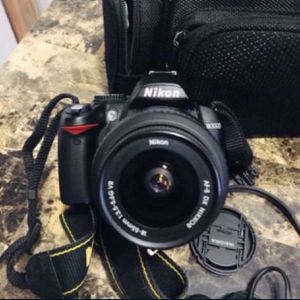 Nikon D3000 In Mint Condition for Sale in Miami, FL