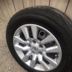Nisan Tire 2015 For 1 for Sale in Fresno, CA