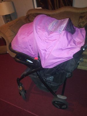 Graco car seat and stroller for Sale in Atwater, CA