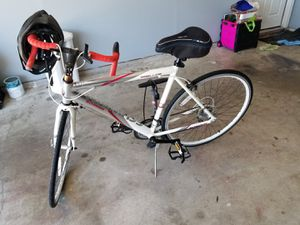 Shcwinn Road Bike for Sale in Saginaw, TX