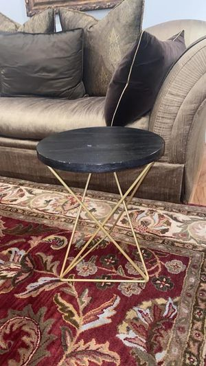 "Modern 16' Round 20"" H. End Table W/ Beautiful Brushed Gold Detailing for Sale in Vienna, VA"
