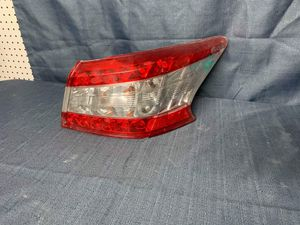 2012 2013 2014 Nissan Sentra Right Tail Light passenger side for Sale in Fontana, CA