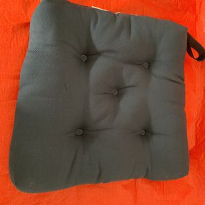 SEAT CUSHIONS SET OF 6 AS NEW for Sale in Orlando, FL