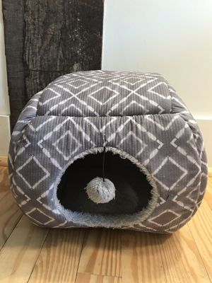 Self-Warming Cat Bed and Toy for Sale in Lynchburg, VA