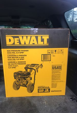DeWalt 4000 PSI commercial series gas pressure washer with AAA triplex pump powered by Honda for Sale in Portland, OR