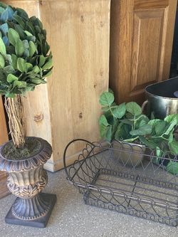 Home Decor 5 Items, Topiary Tree, Large Beautiful Tin $30 FIRM for Sale in Surprise,  AZ