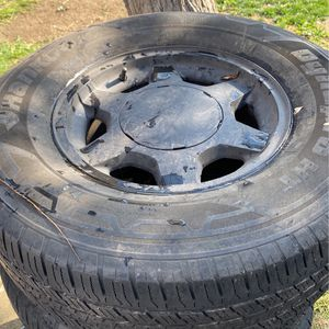 2003 GMC wheels And Tires P265/70R16 for Sale in Chino Hills, CA
