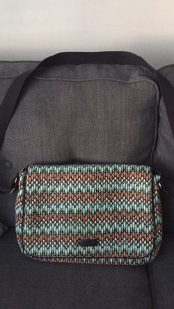 Vera Bradley Messenger Bag for Sale in Eastlake,  OH