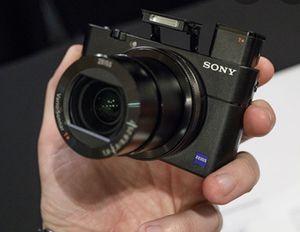 SONY RX100 V 4K Travel camera for Sale in San Diego, CA