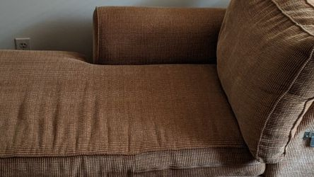 Small Lounging Couch for Sale in Palmetto,  GA