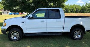 $1,000 URGENT For sale 2002 Ford F-150 runs and drives excellent very smooth transmission for Sale in Cleveland, OH