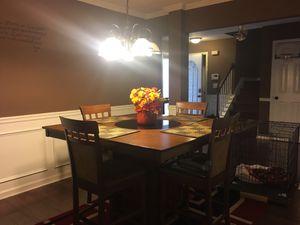 Dining room, kitchen set, and bedroom set for Sale in College Park, GA
