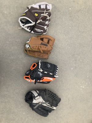 Baseball gloves for Sale in Riverton, UT