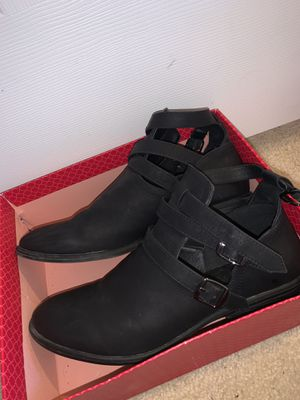 Size 9 Charlotte Rouse Ankle Boots for Sale in Macungie, PA
