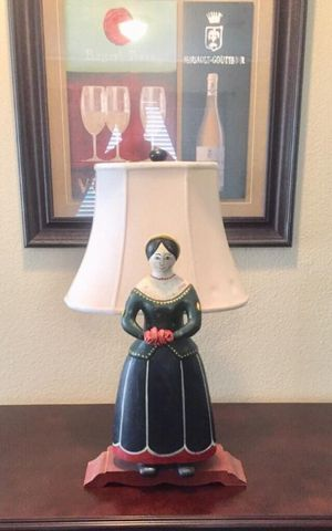 """RARE - Vintage hand -carved lady / woman lamp - solid wood Lamp total height 28"""" Lady - 21"""" H x 8""""W x 4xD Base - 14"""" W x 7"""" D for Sale in Murphy, TX"""