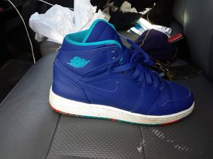 Blue Nike's size 7 for Sale in St. Louis, MO