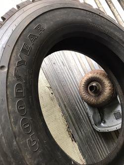Goodgear 2457522.5 semi tire for Sale in Aurora,  IL