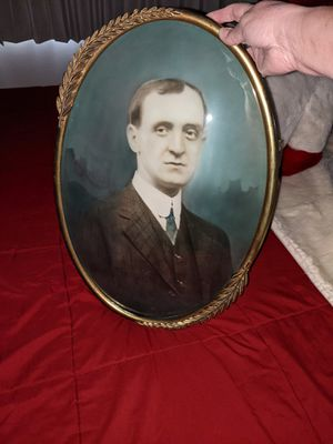 Antique picture frame for Sale in Martinsburg, WV