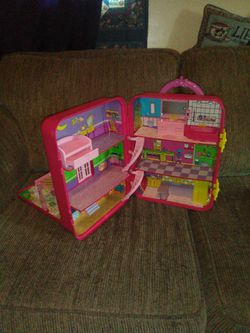 2001 Keycharm Cuties Rolling Dollhouse for Sale in Martinsburg,  WV