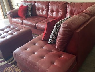 Beautiful Sectional Couch for Sale in Las Vegas,  NV